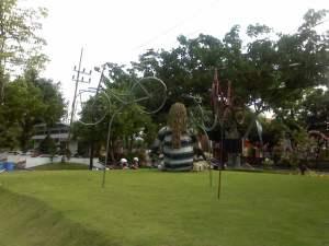 Sepeda Terbang di taman ekspresi