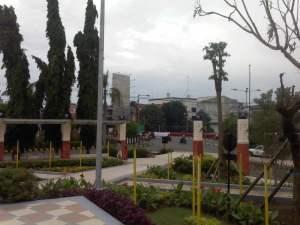 Taman Jayengrono dgn monumen bambu Runcing