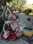 Patung instalasi taman flora bratang